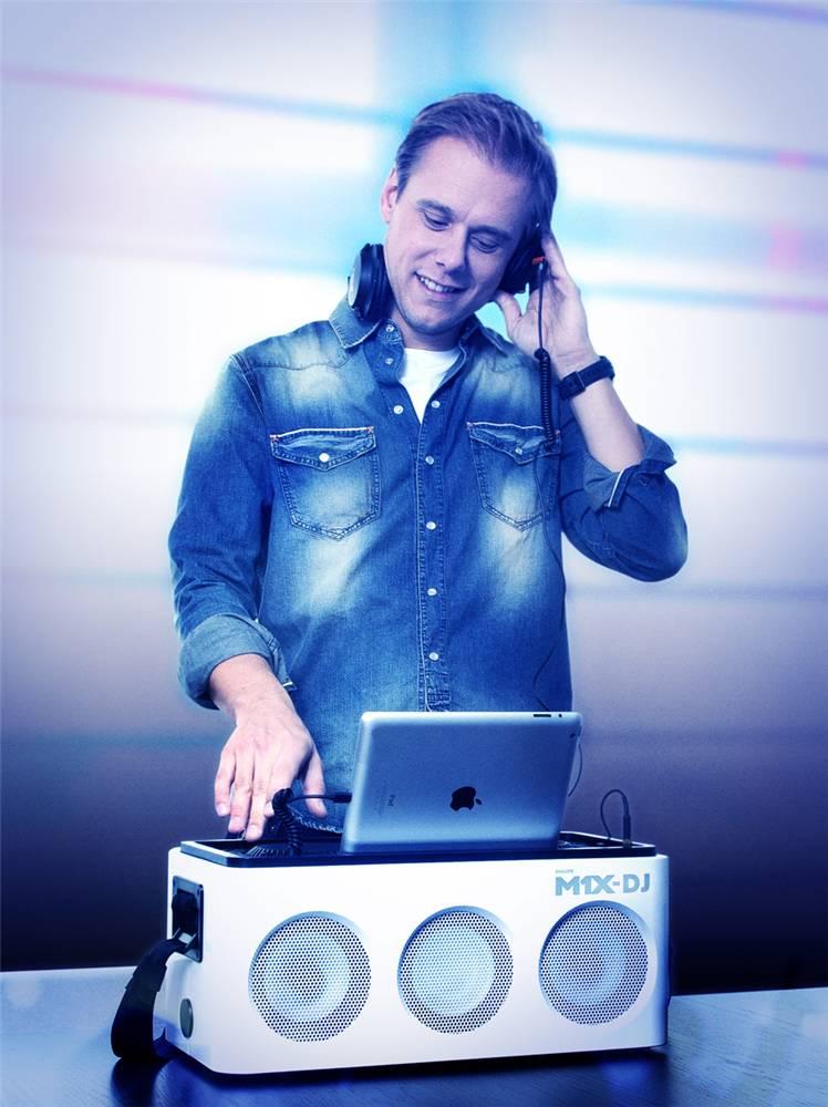 Armin van Buuren - Philips M1X-DJ Sound System