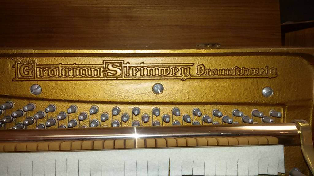 Grotrian Steinweg Grotrian Steinweg • Mod. 112 • Klavier • Baujahr 1975 • Gebraucht