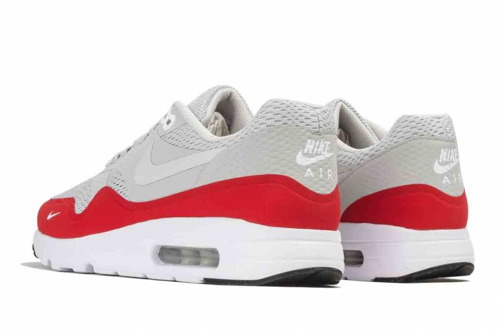 Nike Nike Air Max 1 Ultra Essential 'Mini Swoosh' 819476-006