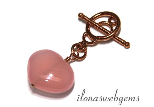 Chalcedony heart with copper kapittelclasp