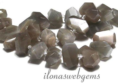 Maansteen kralen free shape  ca. 20x14mm
