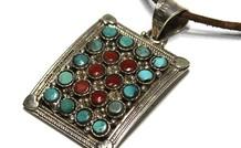 sterling zilveren Tibetaanse hanger met Turkoois en Bloedkoraal