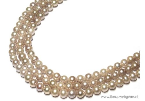 Fresh Water Pearls soft Salmon app. 8mm