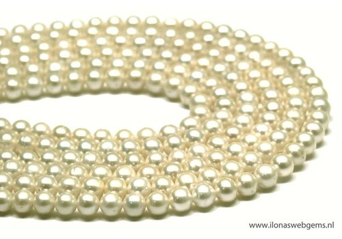 Fresh Water Pearls creme app. 6.5mm