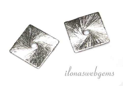 1 piece of silver-plated chips about 12mm