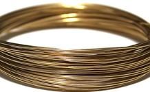 Gold filled Draht Machen Sie Ihr Gold gefüllt Schmuck, dann ist dieses Gold gefüllt Draht sollte nicht in Ihrer Sammlung fehlen. Es ist äußerst vielseitig und hat einen edlen Look, die Sie machen schöne Schmuck lässt. Unser Gold gefüllt Draht ist in unter