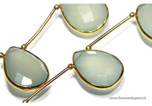 Chalcedony Side drill vermeil pendant