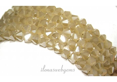 Crystal beads (Swarovski style) approx facet 5mm