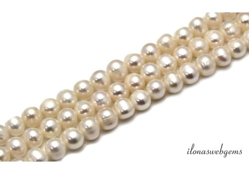 Freshwater pearls white approx 7mm