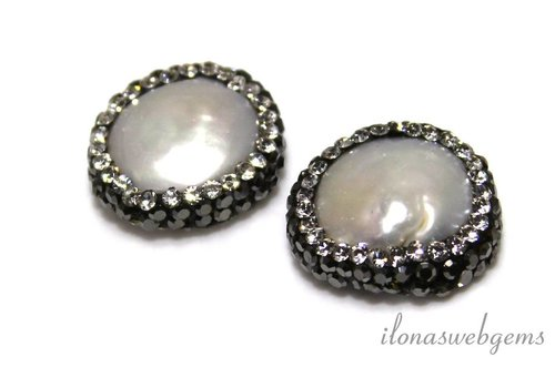 Coin pearls with Cubic Zirconia around 19mm