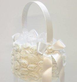 Witte bloemen strooimandje