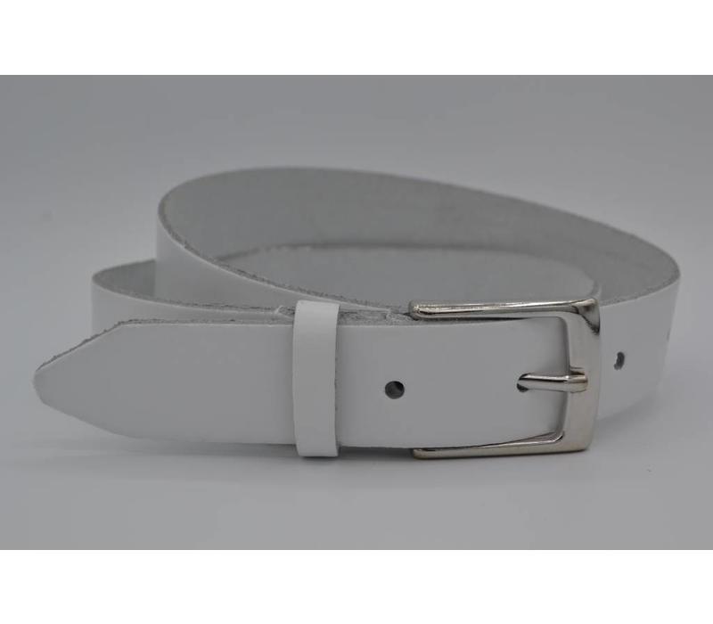 Deze witte riem is gemaakt van splitleer  en is geschikt voor zowel mannen als vrouwen. Met de oud-zilveren gesp en bijna 3mm dik leer heeft deze riem een juiste prijs kwaliteit verhouding - Copy