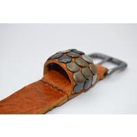 Stoere 3cm riem met verschillende studs voorzien van een oud nikkele gesp