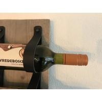 Dit eigentijds wijn of tijdschriftenrek van 80cm hoog