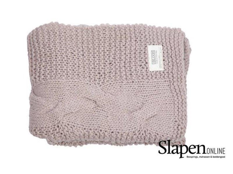 MrsBloom Knitted throw grenoble light pink