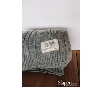 MrsBloom Cable throw light grey