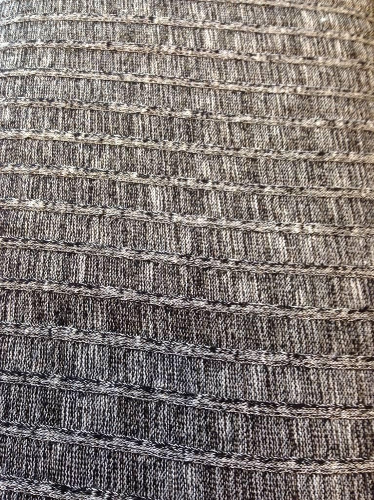 La Maison Victor Lichte zwart/witte tricot met textuur