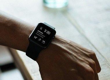 Een smartwatch of een horloge? 5 redenen om niet meer te twijfelen!