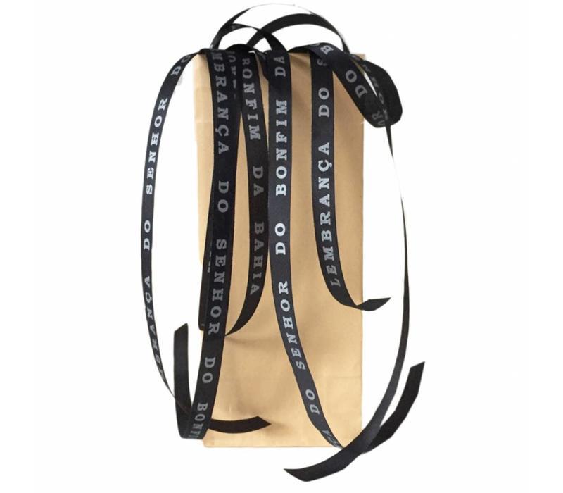 Set van 20 Bonfim gelukslintjes zwart in bruin kraft zakje
