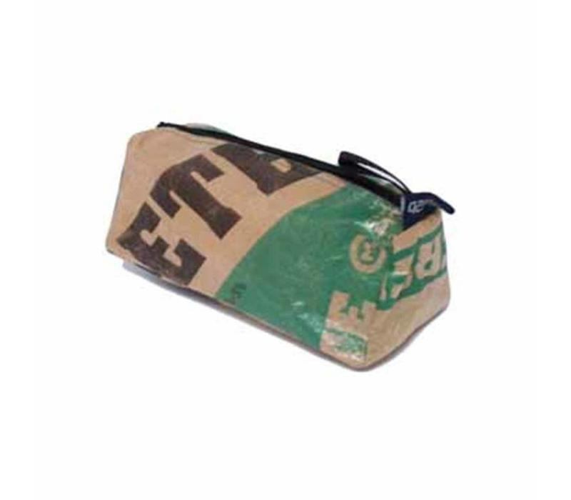 Used2b Cement Taka - Etui - Upcycled- Groen