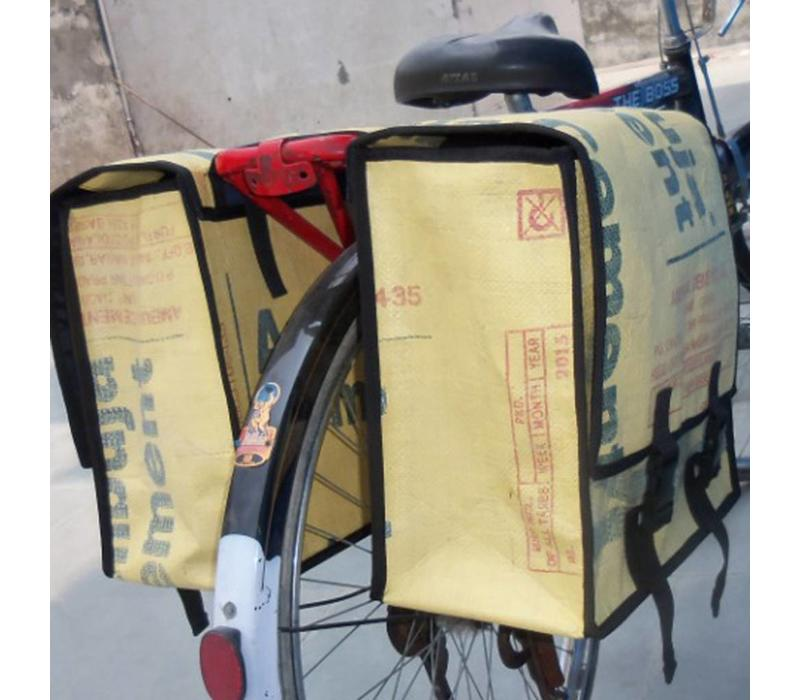 Used2b Dubbele Fietstas - Upcycled- Cement- Ambuja- 44 Liter - Beige