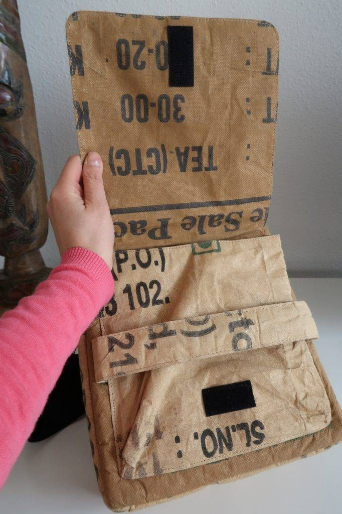 Used2b Hippe schoudertas City gemaakt van gerecycelde theezakken.