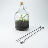Terrarium spade with patter