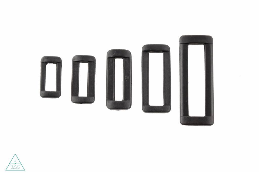 Passant Kunststof zwart 25mm