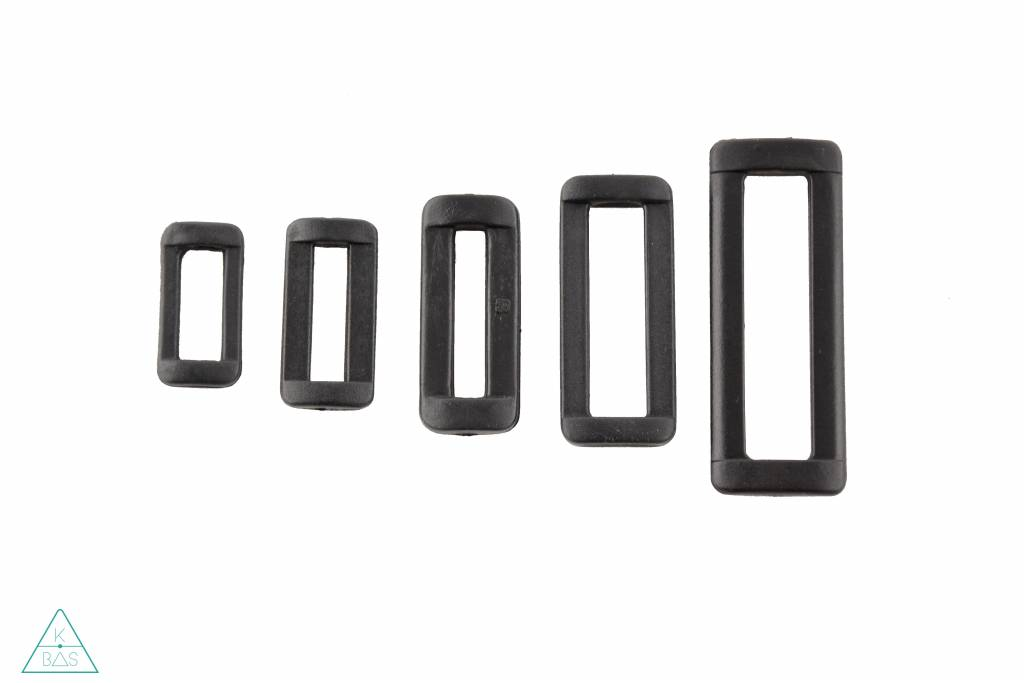 Passant Kunststof zwart 38mm
