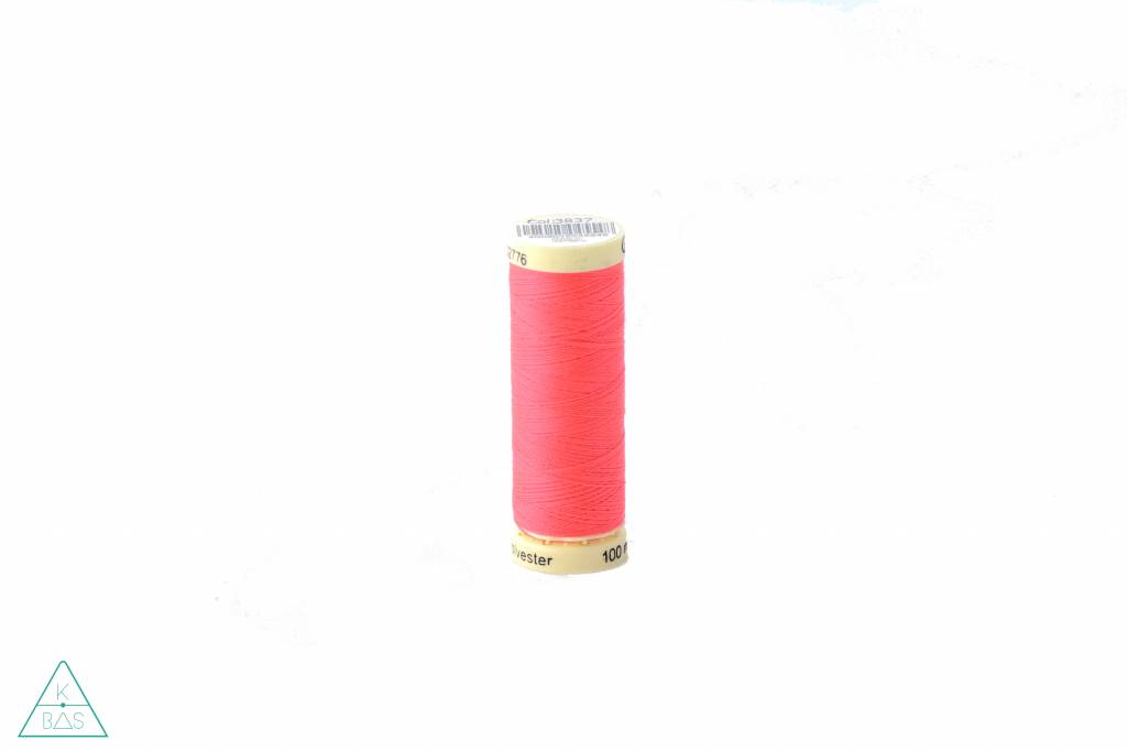 Gütermann Universeel naaigaren - fluo roze
