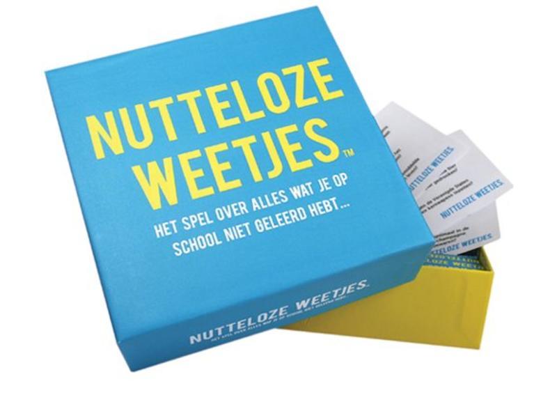 Koelkastpoëzie Party Game 'Nutteloze Weetjes'