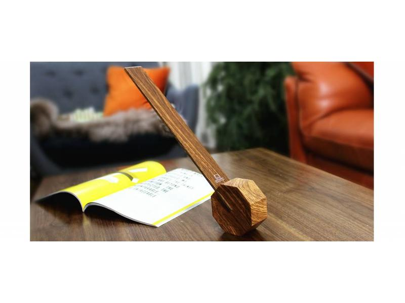 Gingko Desk Lamp 'Octagon One' (walnut)