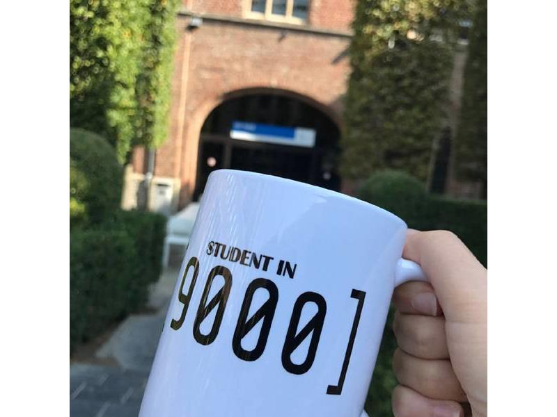 Urban Merch Mug 'Student in 9000'