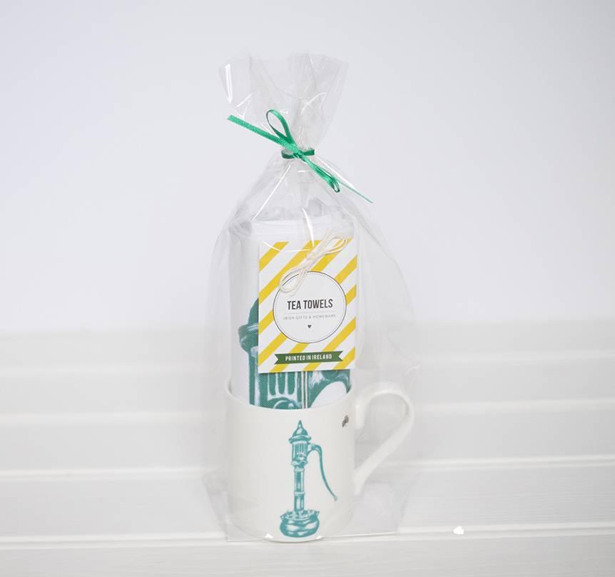 Village Water Pump Gift Set