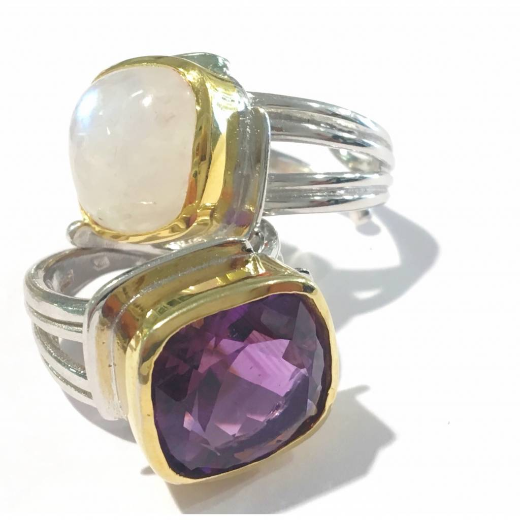 Art Deco ring with Amethyst