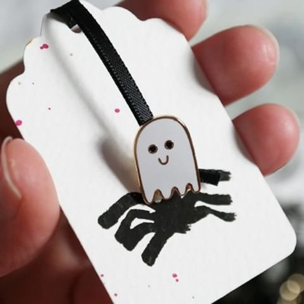 PIN ~ little Ghost