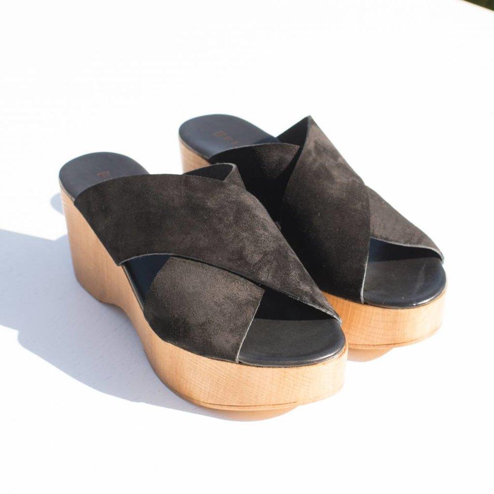 Italiaans suede leren plateau slipper