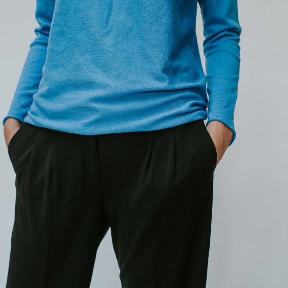 Nieuw silhouet: de wijde crepe broek