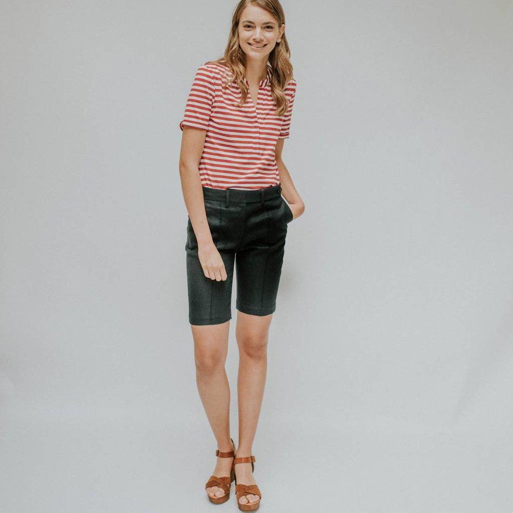 Feminine  v- neck t-shirt with 1/2 sleeve