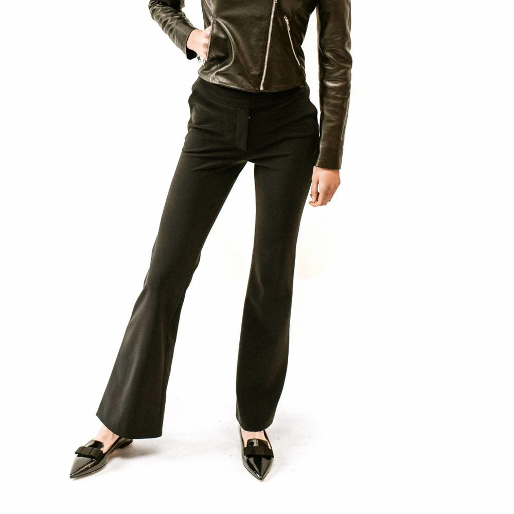 Flare pant with pockets in heavy travel fabric