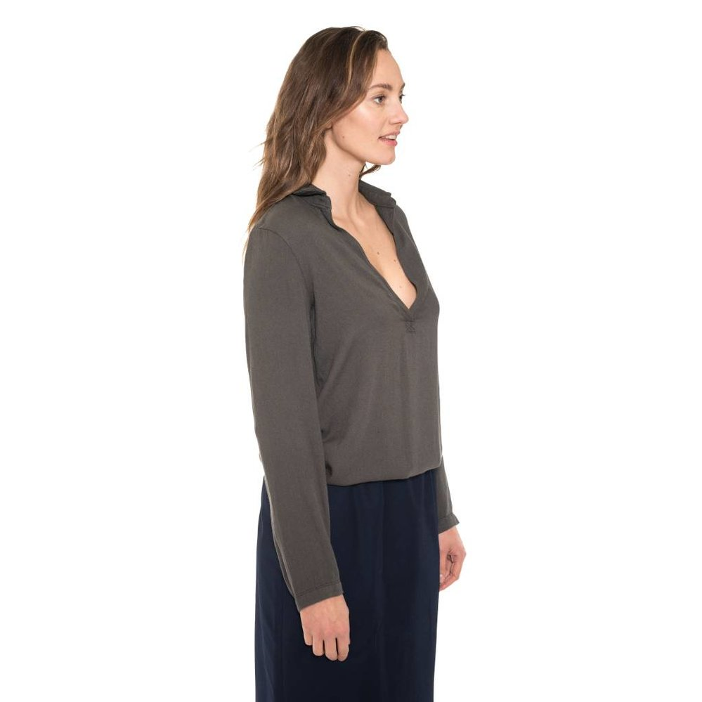 V-neck  tunic blouse with small elastic waistband
