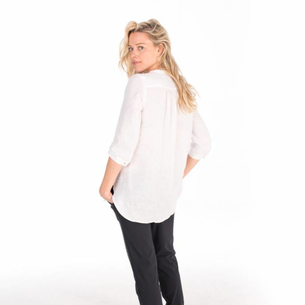 Feminine linen tunic