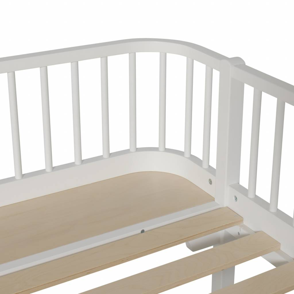 Oliver furniture wood white day bed 90x200 cozykidz for Couch 90x200