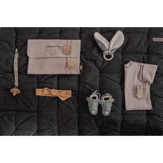 mies & co pacifier clip leather taupe