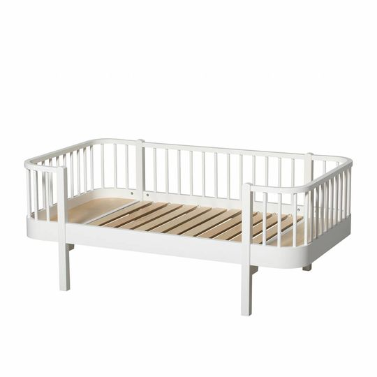oliver furniture wood white junior day bed 90x160