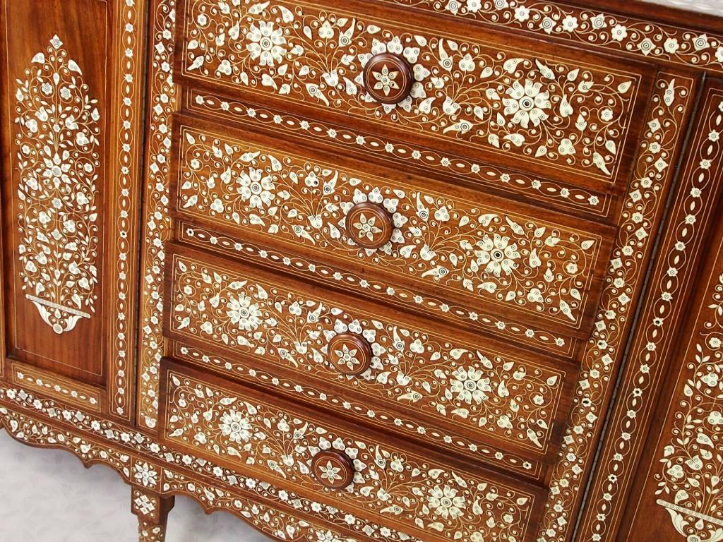antik indien Anglo Cabinet Sideboard