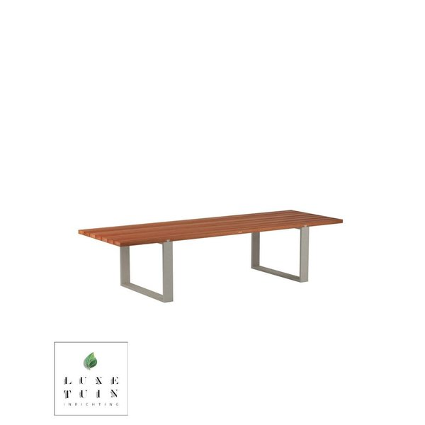 Vigor Table Mahogany