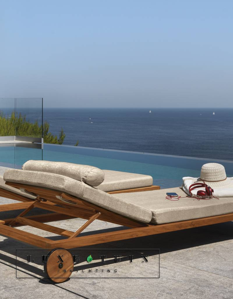 Exclusieve tuinmeubelen voor uw terras talenti cleo teak luxe tuin inrichting - Terras teak zwembad ...