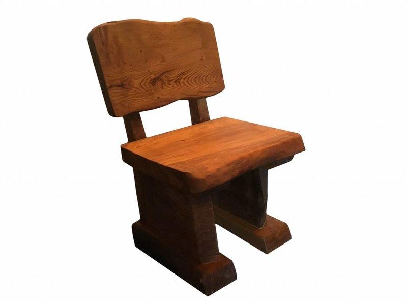 Massieve stoel