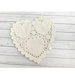 12x Herzförmiges Spitzendeckchen aus Papier